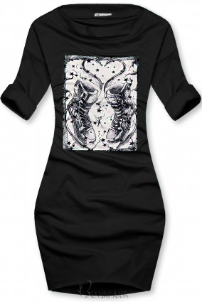 Fekete színű ruha tornacipő motívummal