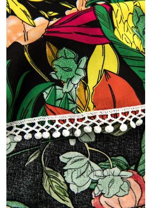 Zöld színű virágmintás sort csipkével