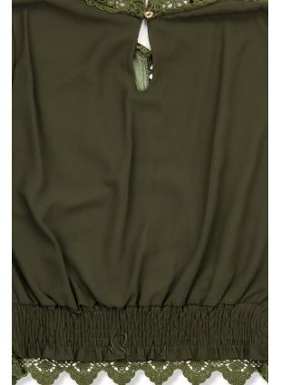 Khaki színű blúz csipkével