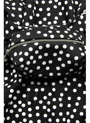 Fekete színű pöttyös ruha, derekán övtáskával